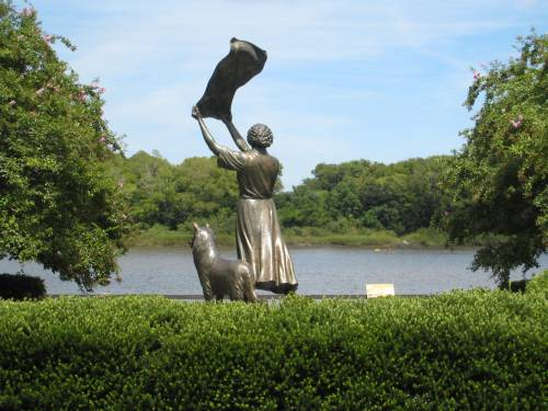 "Felix de Weldon, ""The Waving Girl,"" 1972, on River Street in Savannah, Georgia"